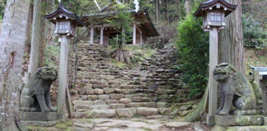 秋田県で元彼と復縁成就が叶う神社!縁結び最強パワースポットはここ